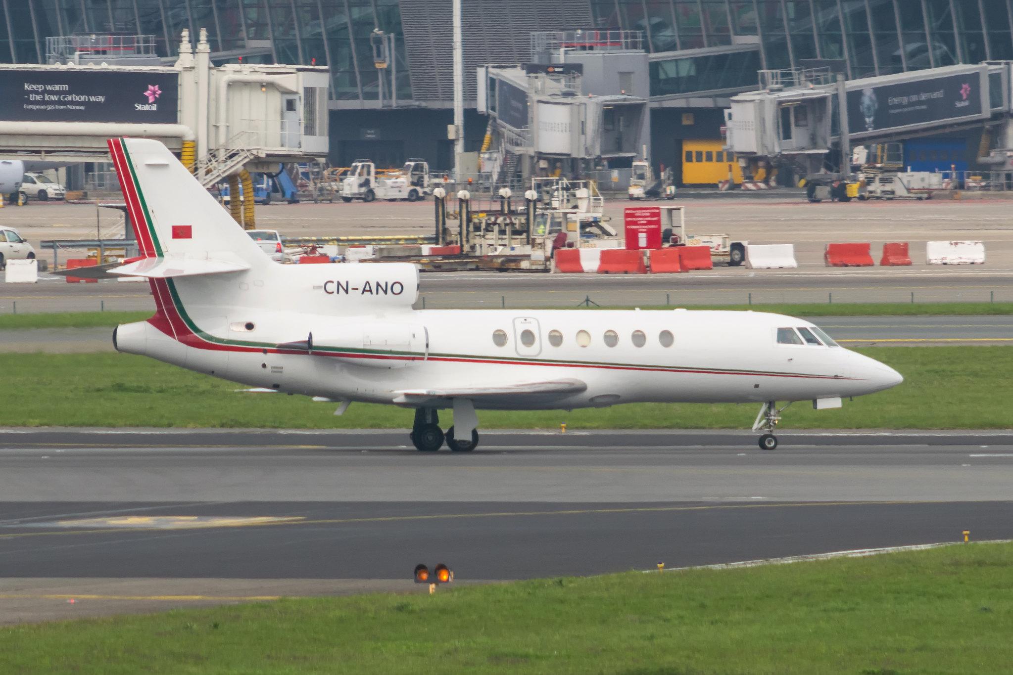FRA: Avions VIP, Liaison & ECM - Page 13 26305057250_d3b9589553_k