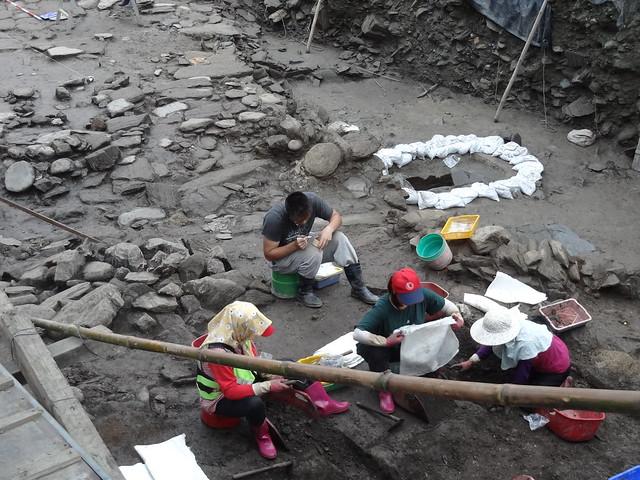 遺址挖掘現場,搶救是台灣考古學家忙不完的工作