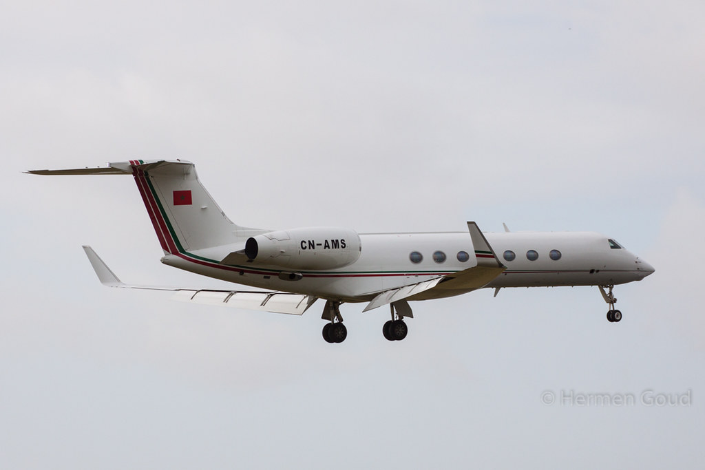 FRA: Avions VIP, Liaison & ECM - Page 12 25771254440_ef910f7991_b