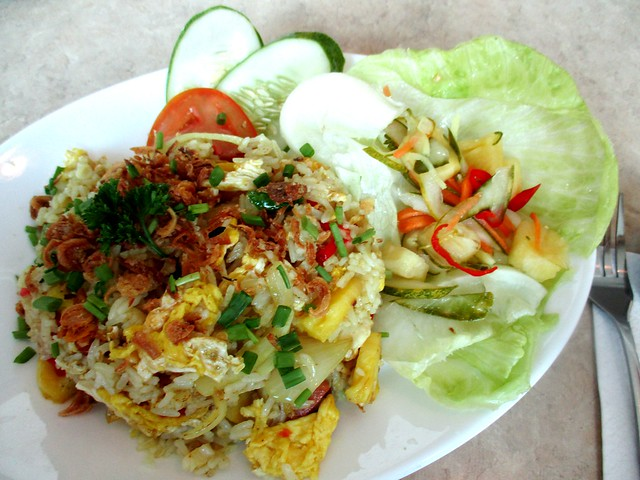 Vaelntine Cafe pineapple fried rice