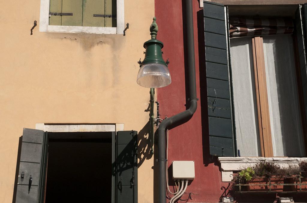 venice venezia venesia, italy, itali, europe, travel, traveling, must, see, photography, lamp, window, red, pale