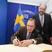 PM Löfven signs Golden Book
