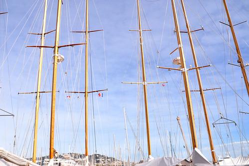 Cannes: Meer, Alter Hafen, Schiffe, Yachten ... Interessante Fotomotive vor noch schneebedeckten Bergen unter einem blauen März-Himmel - Foto: Brigitte Stolle 2016