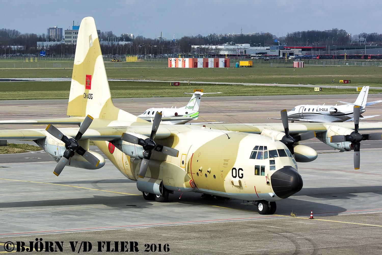 FRA: Photos d'avions de transport - Page 27 26325177591_e95852d442_o