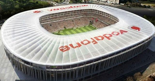 Vodafone ofrecerá el fútbol por 5 euros, pero pasa de Partidazo y Champions