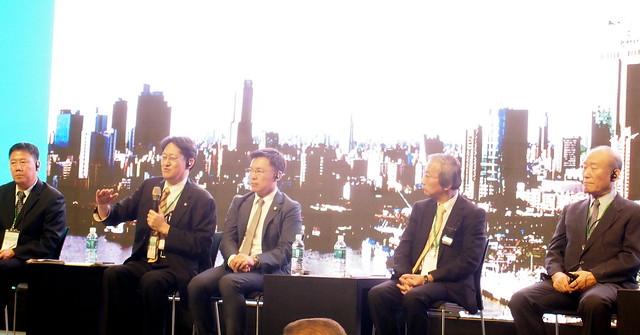 5日高雄舉辦氫能城市論壇,邀請日本推動氫能發展的產官學界與會分享日本經驗。攝影:李育琴