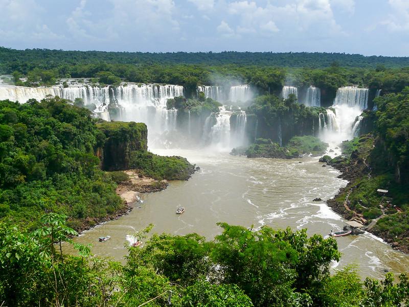 Les chutes d'Iguazu vues depuis la rive brésilienne