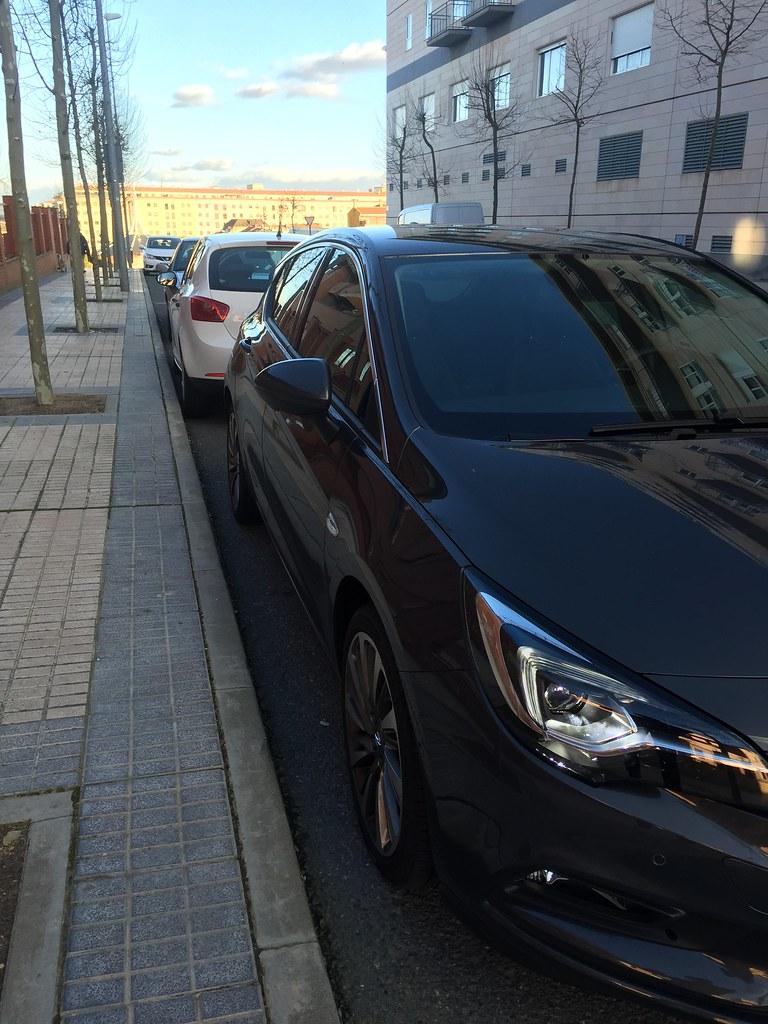 Revisión sistema de aparcamiento automático 25070147605_cc4bd3bae2_b