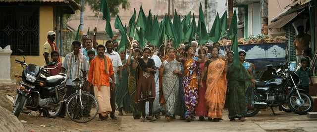 印度索姆佩塔(Sompeta)的反燃煤電廠設立遊行。圖片提供:天翻地覆紀錄片團隊