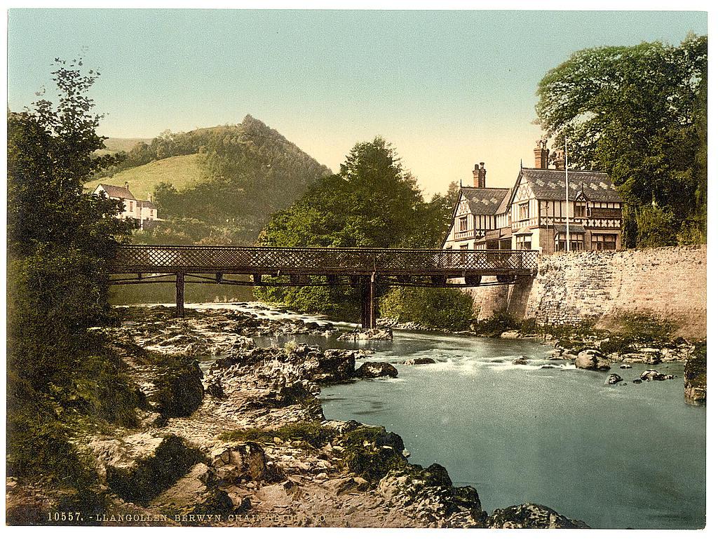 Chain Bridge Hotel, Berwyn Valley, Llangollen