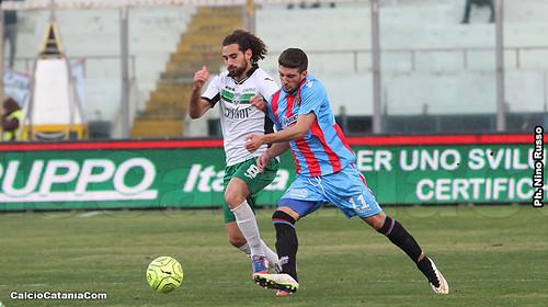 Catania-Monopoli 0-0: Trattenuti$