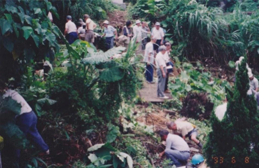1993年六張犁亂葬崗被發現。(圖片來源:台灣地區政治受難人互助會)