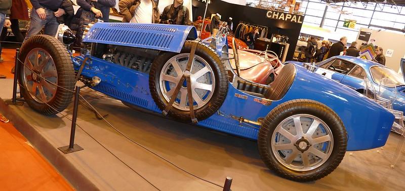 Deux Bugatti au Retromobile Paris 2016 24949914272_692a72bd8d_c