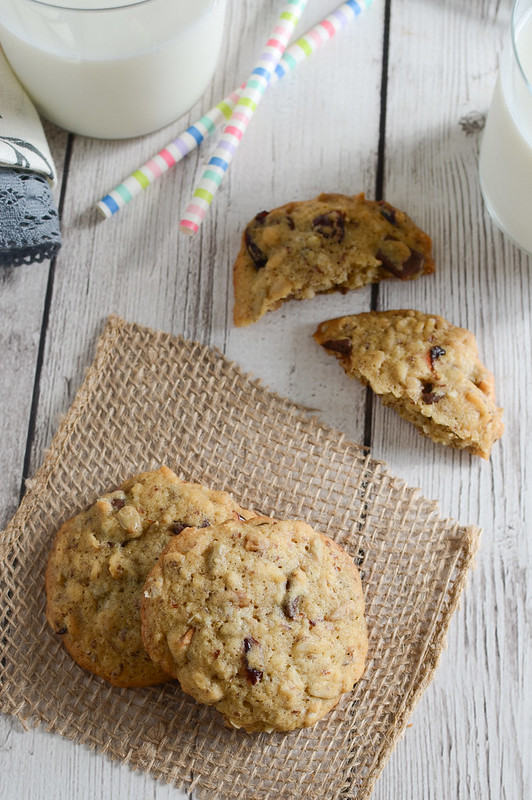 Granola Cookies - healthy and delicious recipe. Filled with flax seeds, cranberries, sunflower seeds, oats, and chocolate chunks.
