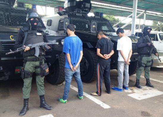 Tres jóvenes son detenidos en Villa Brasil, en Puerto Ordaz, por estafas en EL PEROLERO