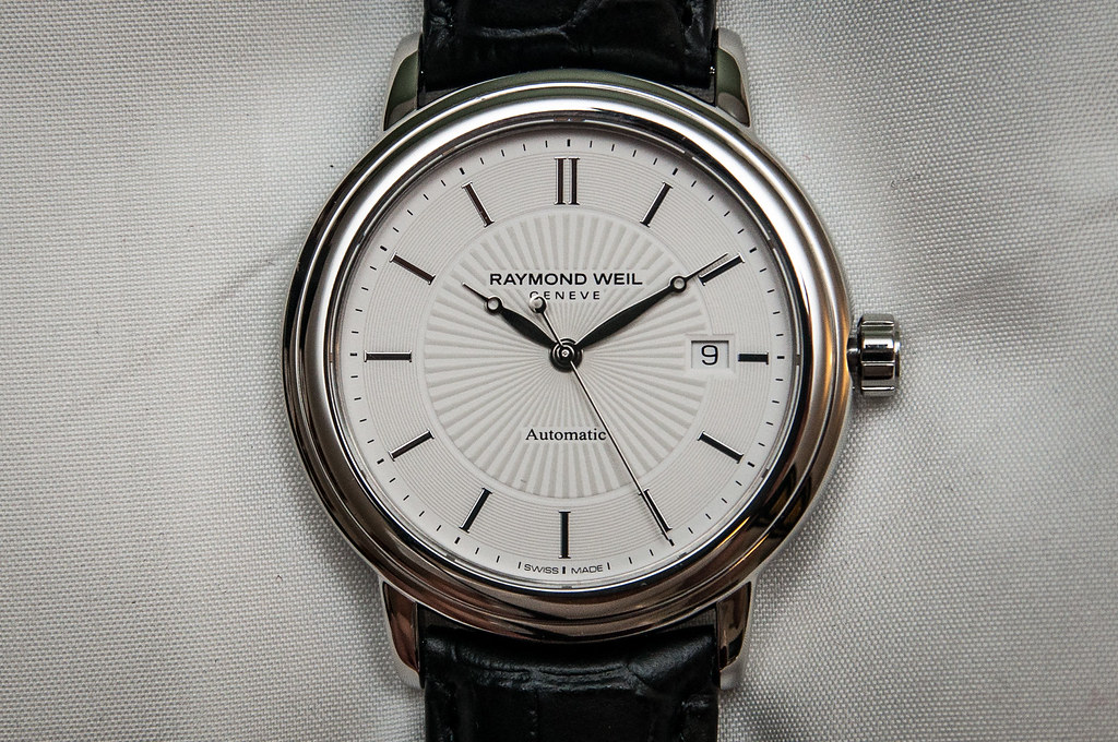 raymond weil maestro swiss automatic watch face