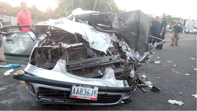 Tres muertos y tres heridos fue el resultado de un trágico accidente en la vía a Upata