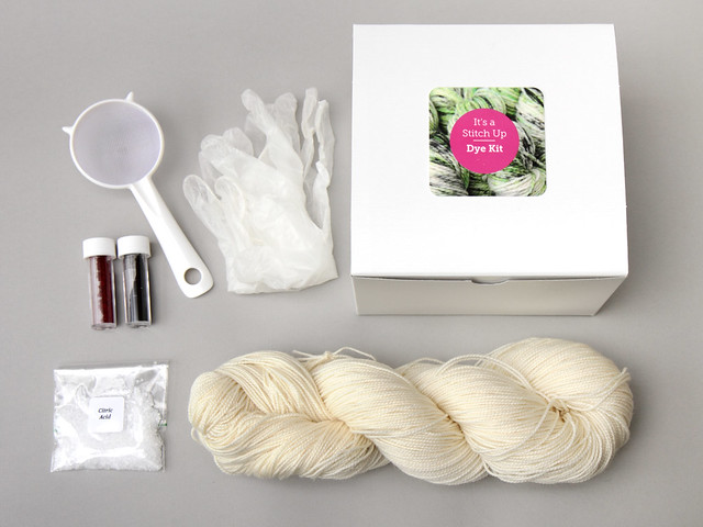 Speckle dyeing kit – superwash merino 4 ply yarn (UK)