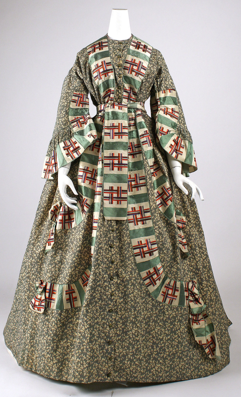 Dressing gown 1860s American, Cotton, silk, metmuseum