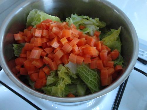 soupe au chou carottes et pommes de terre fourchettes. Black Bedroom Furniture Sets. Home Design Ideas