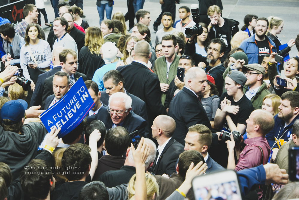 senator bernie sanders signing autographs at the seattle rally at key arena, seattle center