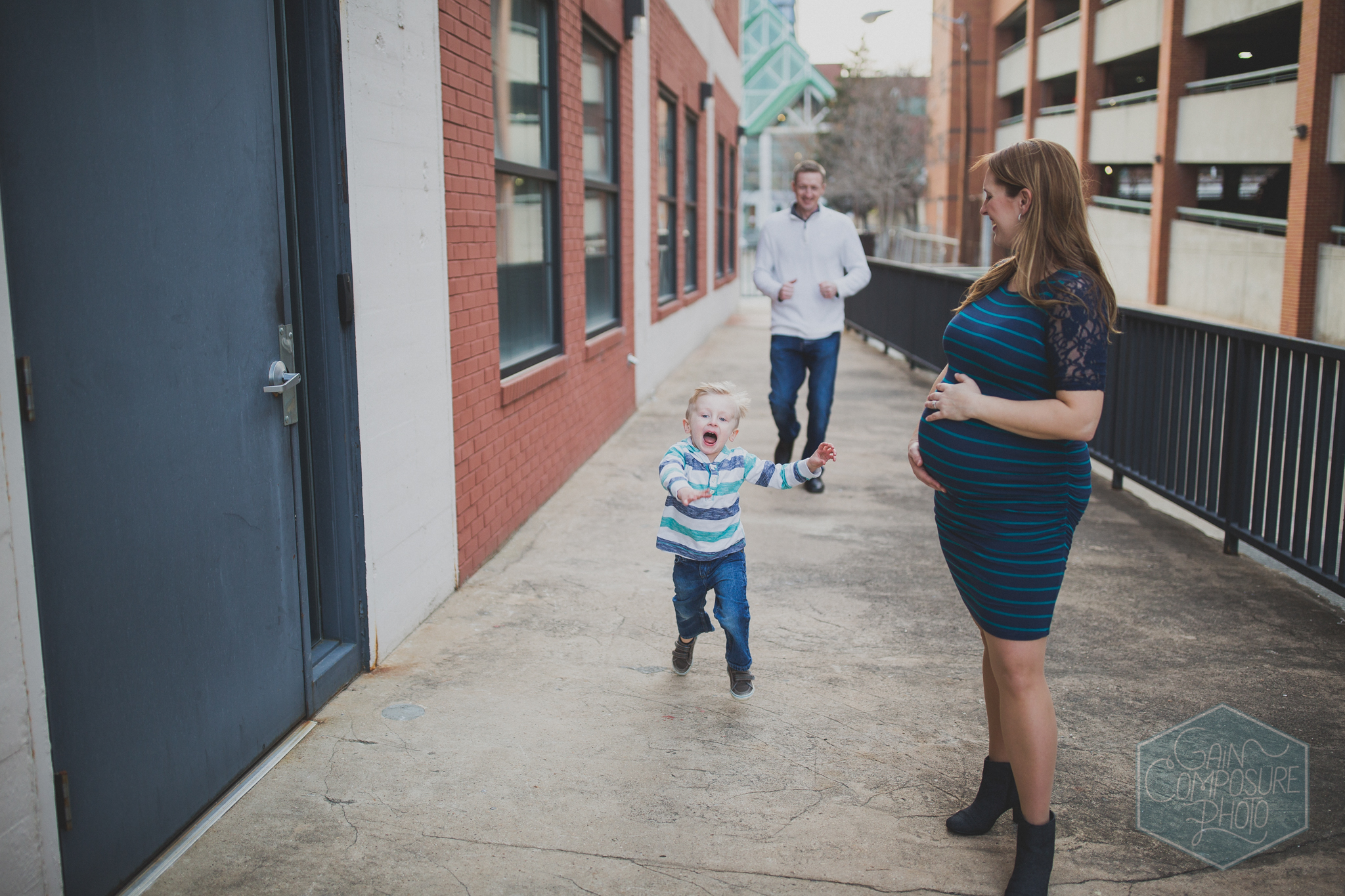 fun family maternity session