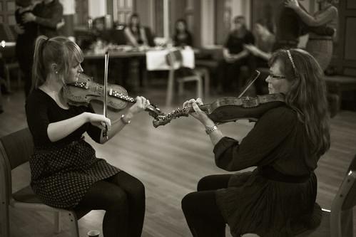 Maria og Eva Marie Skjeldrum Toppe. Foto: Kjersti J. Nybø