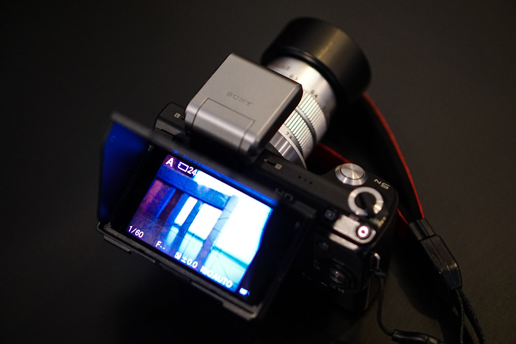 Sony NEX 5N, my compact camera in hiking and skiing with 1-lens