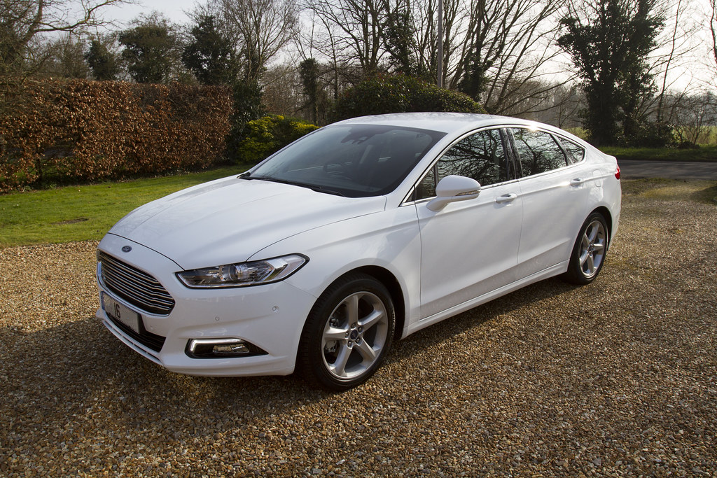 ford mondeo 2 0tdci titanium 5dr 6spd 180ps 2016 frozen wh. Black Bedroom Furniture Sets. Home Design Ideas