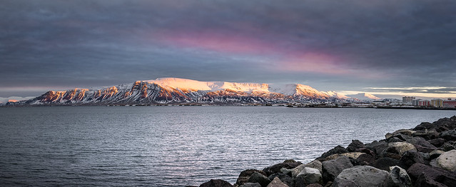 Esjan at sunrise - Reykjavik, Iceland - Travel photography