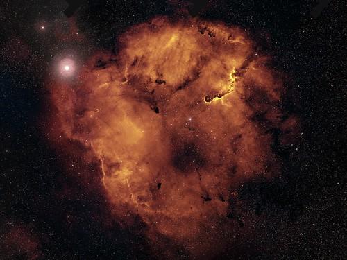 VCSE - Az IC1396 csillagkeletkezési régió - APOD