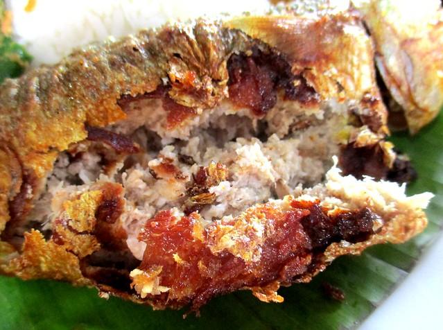 Cafe Ind ikan kembung sumbat, inside