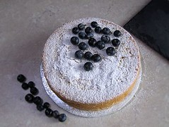 Genoise with blueberries