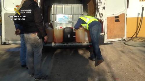 AionSur 25681061664_b6b4eef98d_d Detenidas cinco personas por el robo de hidrocarburos en oleoductos en la comarca de la Campiña Sucesos