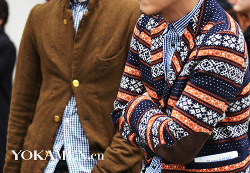 Print sweater is one of the most distinctive