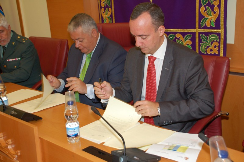 El ministerio del interior y el ayuntamiento de colmenar v for Web ministerio del interior