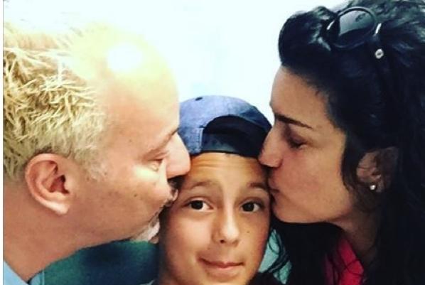 La cantante Karina anunció el cambio de sexo de su hija de 11 años a través de las redes sociales