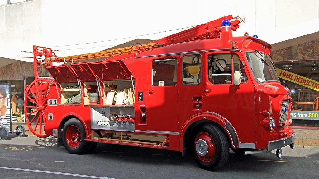 Dennis F106 Pump Escape Dp Smh 325f London Fire Brigade
