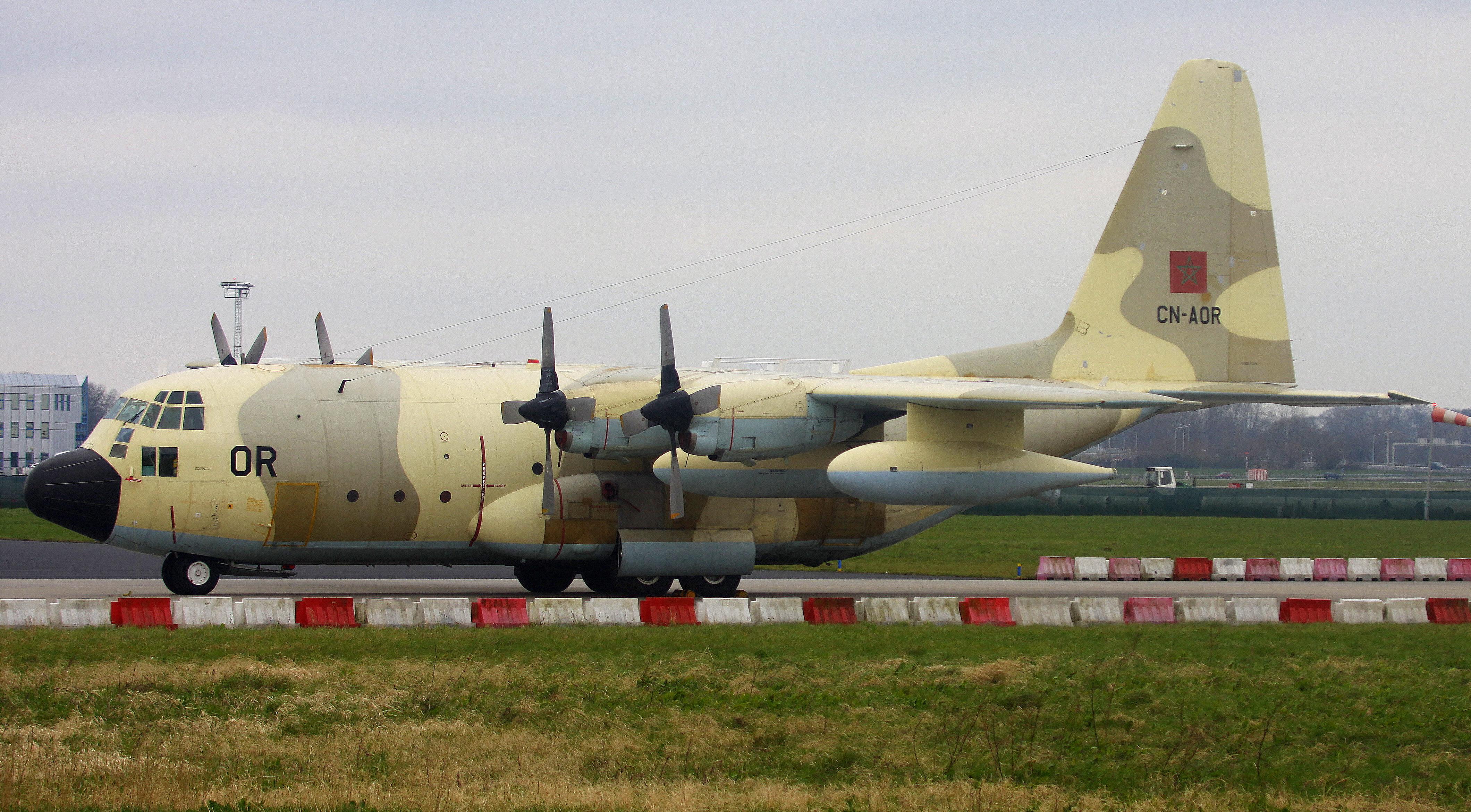 FRA: Photos d'avions de transport - Page 27 26077202266_a265f2258d_o
