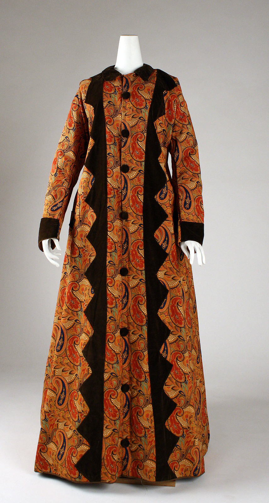 Dressing gown 1870s American Linen, cotton, metmuseum