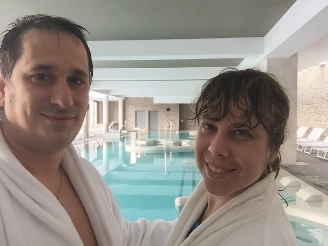 Sele y Rebeca en el balneario del Monasterio de Valbuena (Valladolid)