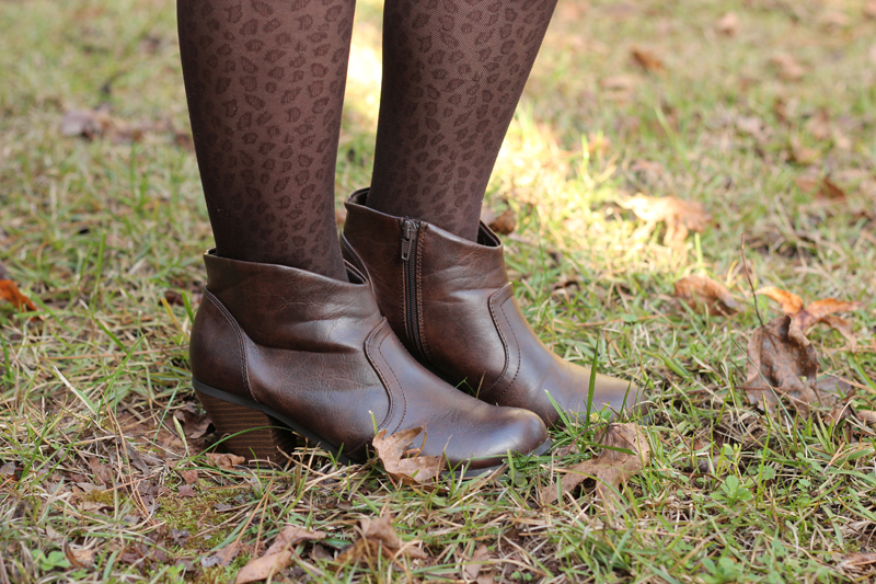 Brown Leopard Print Tights with Western Style Brown Ankle Boots