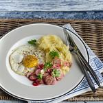Sellerie-Kartoffelstampf mit Spiegelei und Radieschensalatt
