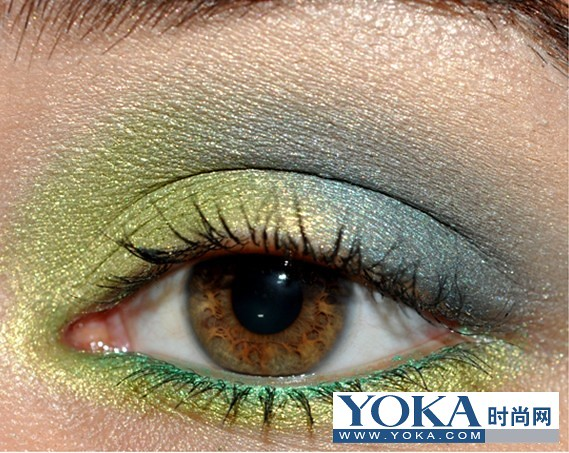 Foreign netizens show spring/summer eye makeup matched with blue and green best