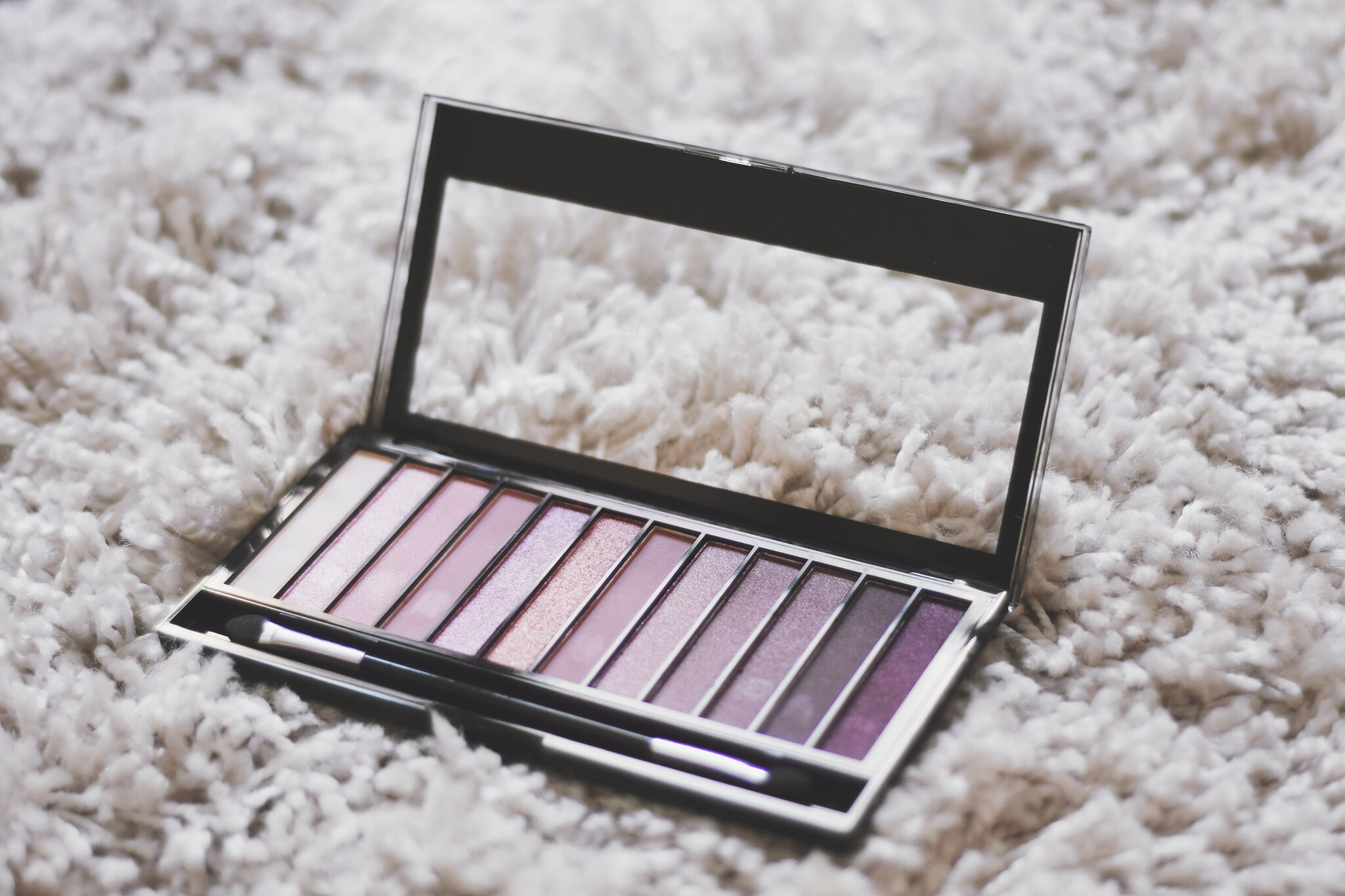 Make Up Revolution Iconic 3 Palette Urban Decay Naked 3