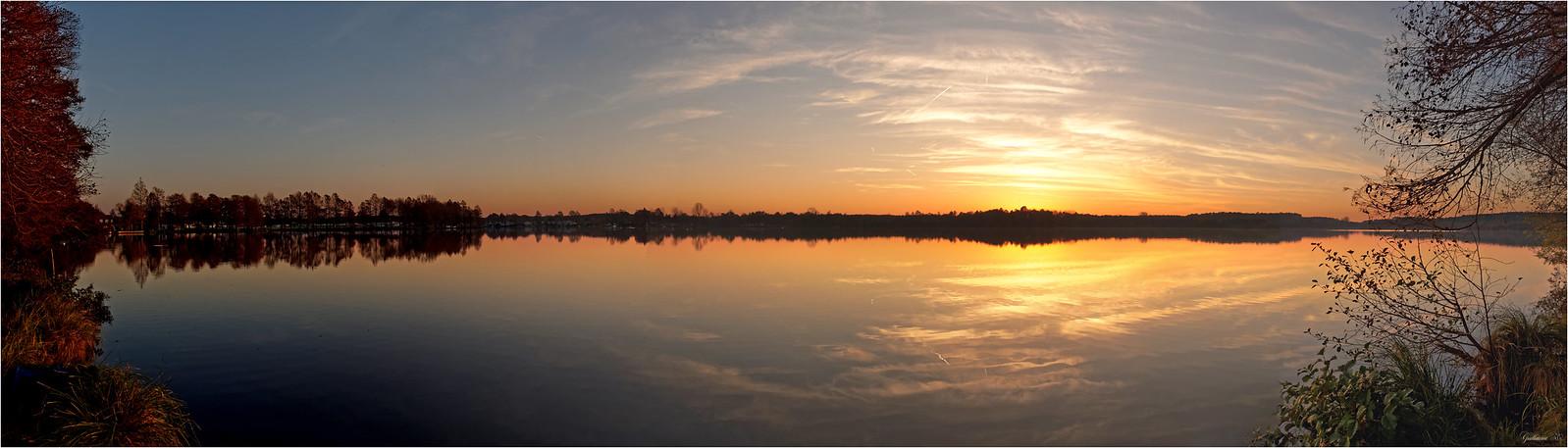 Le lac de Soustons s'illumine 24419863516_f51d8976ac_h