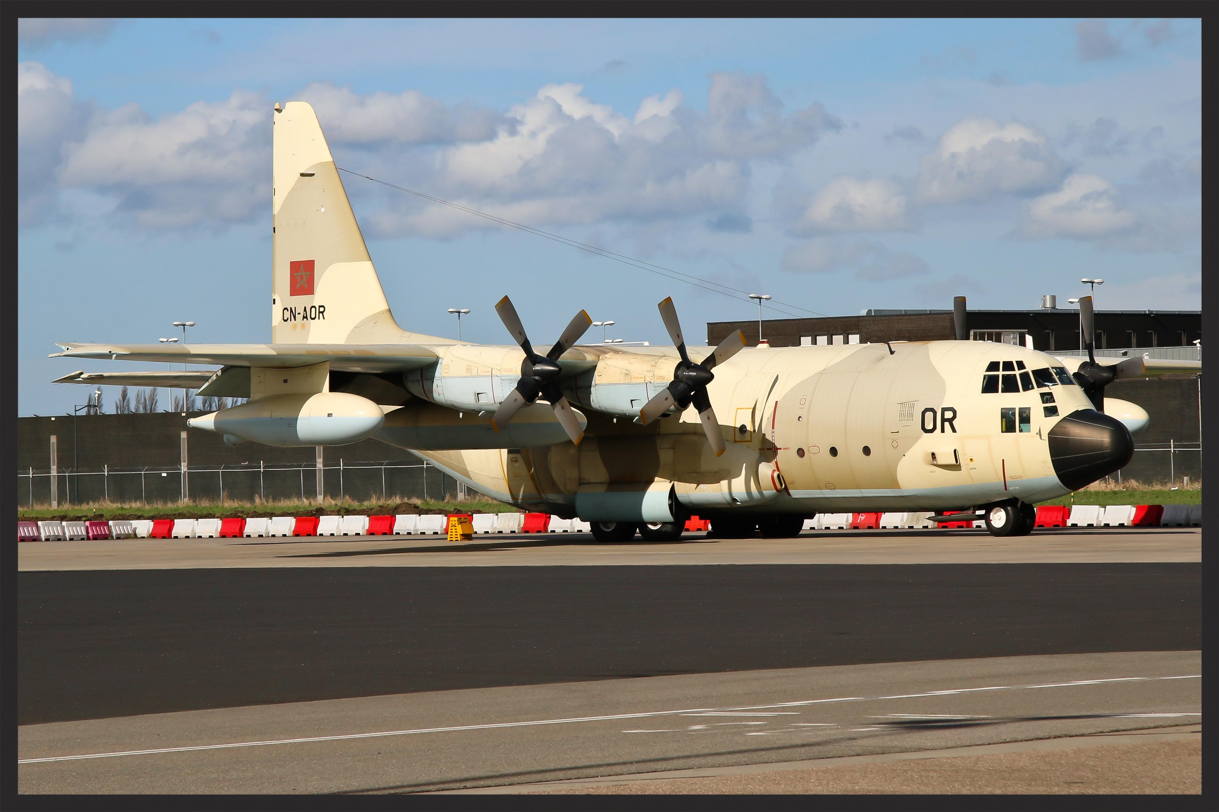 FRA: Photos d'avions de transport - Page 27 26130576616_7e80a3cc0a_o