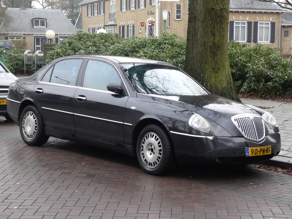 2004 Lancia Thesis | The Lancia Thesis was built from 2002 u… | Flickr