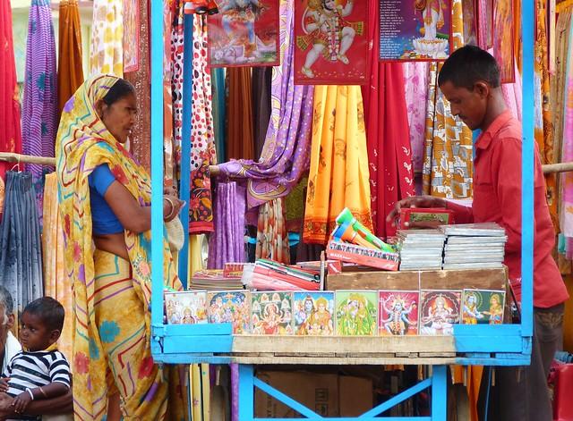 Escena en un mercado de Madhya Pradesh (India)