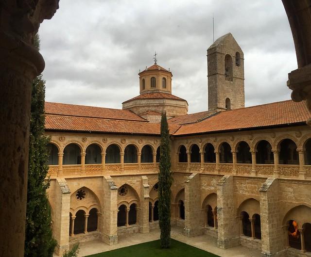 Claustro del Monasterio de Santa María de Valbuena (Valladolid)